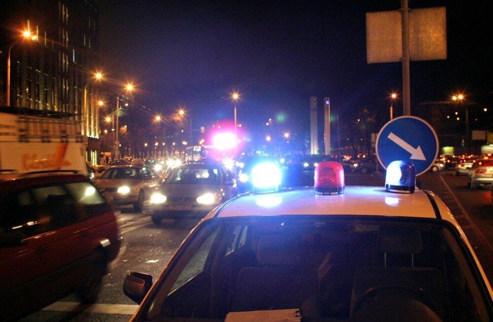 Полицейская машина сбила девочку на пешеходном переходе