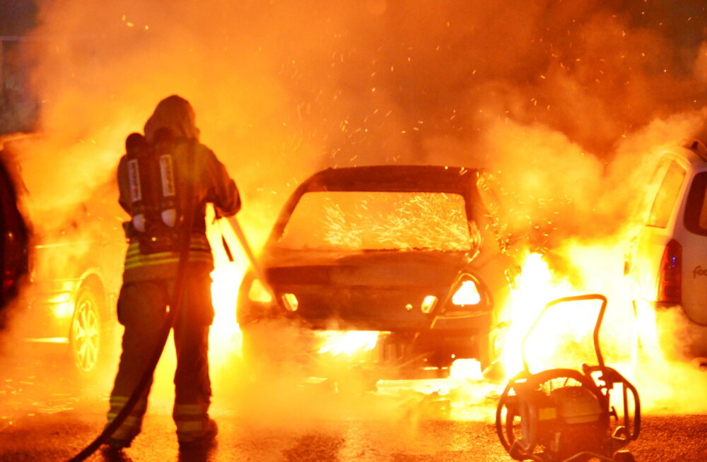 Malmö on hädas autosüütamiste lainega, juuli algusest on põlenud üle 70 sõiduki
