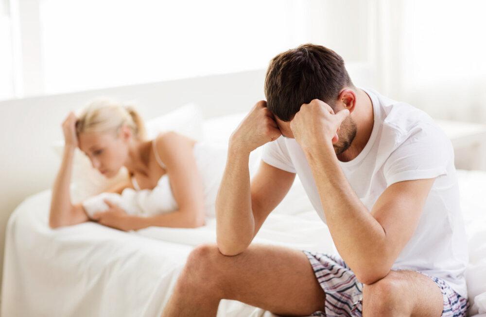 Tuhanded mehed paljastavad: naised, palun ärge pigistage meie munandeid seksi ajal ja ärge mängige pornostaare