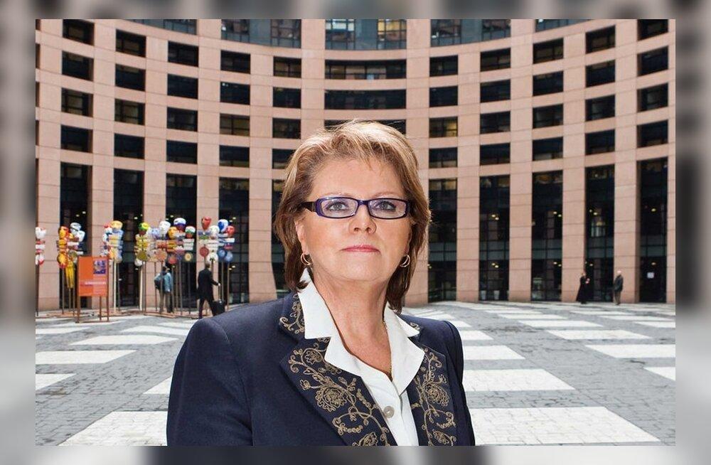 Siiri Oviir: tervishoiuraha saaks kokku hoida nõukogu liikmete arvelt