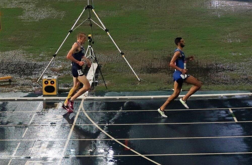 Kaur Kivistik 3000m takistusjooksu finišis