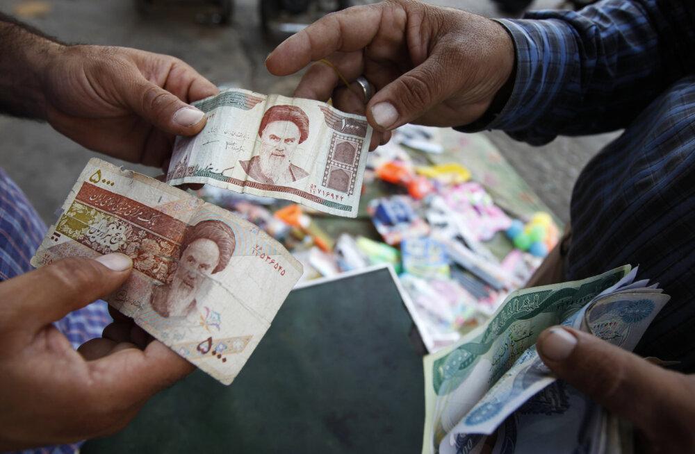Petuskeem või pensionisammas: miks ostavad inimesed kokku dinaare ja donge?