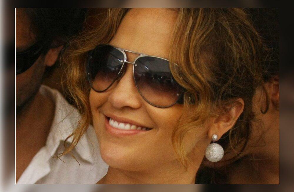 Jennifer Lopez jäi diivatsemise pärast hiilglaslikust kontserdist ilma?