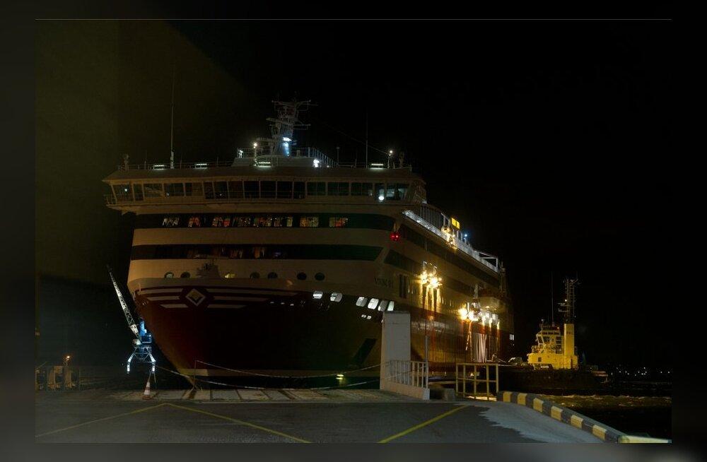 Viking Line XPRS-i saabumine Tallinna sadamasse