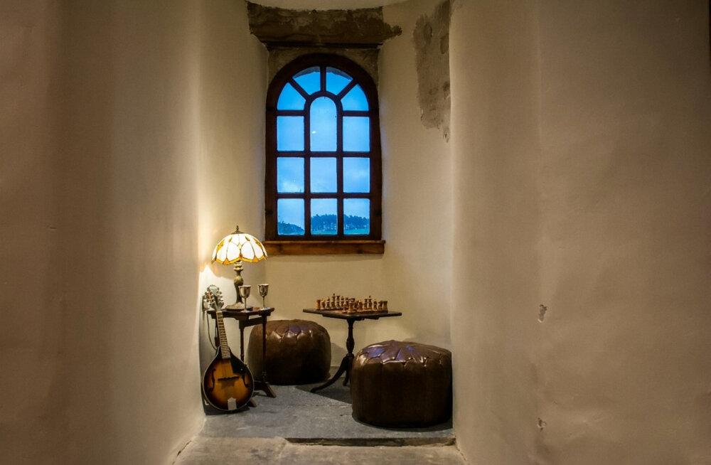 Средневековый замок и дом-гриб: Airbnb определил самые популярные объекты аренды