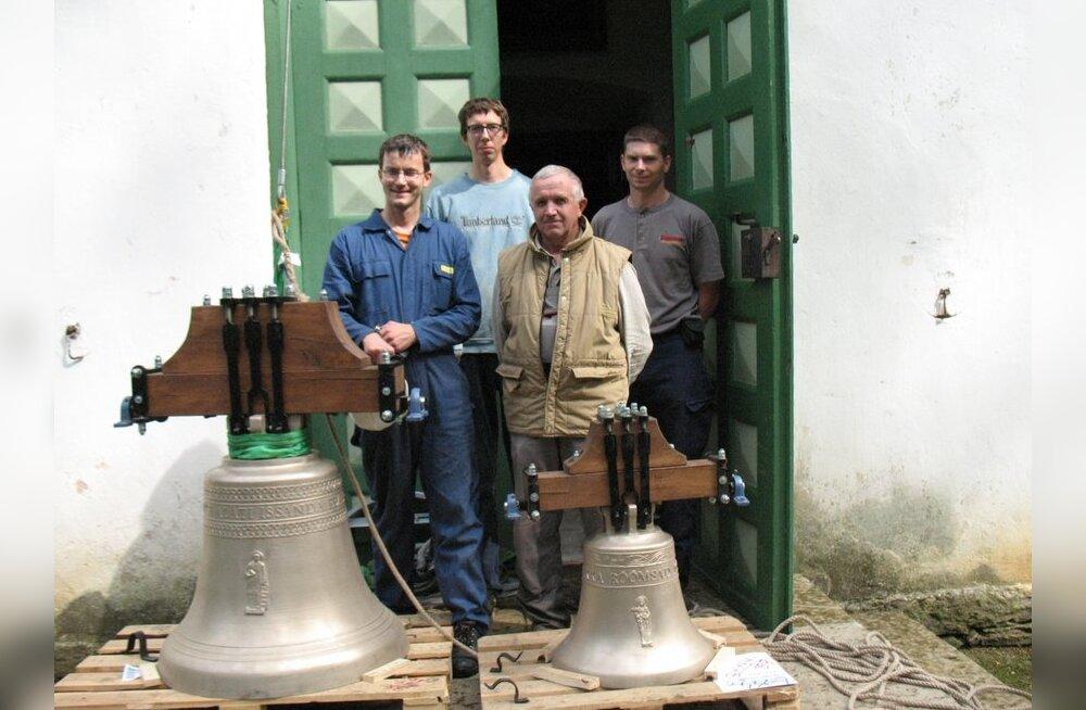 Lauritsapäeval helisesid Loksal uued tornikellad