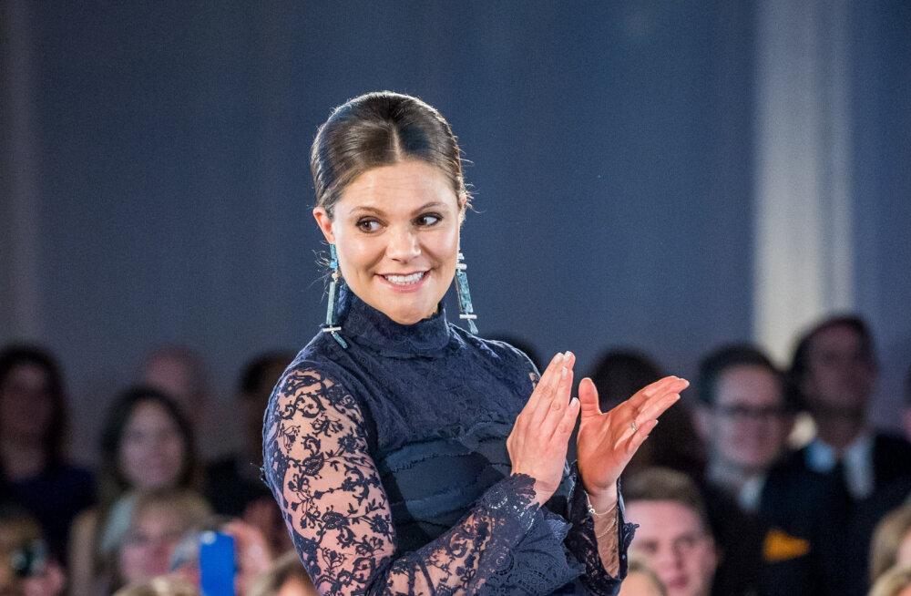 Fännab jätkuvalt kodumaist kiirmoodi: Rootsi kroonprintsess Victoria uhke galakleit on pärit H&Mist