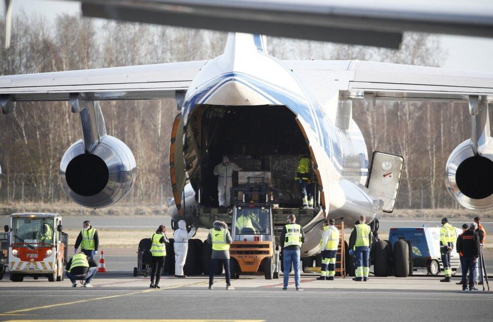 ФОТО   В Таллинн прибыл очередной российский самолет со средствами личной защиты