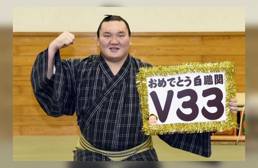 Hakuho jõudis rekordilise 33. turniirivõiduni