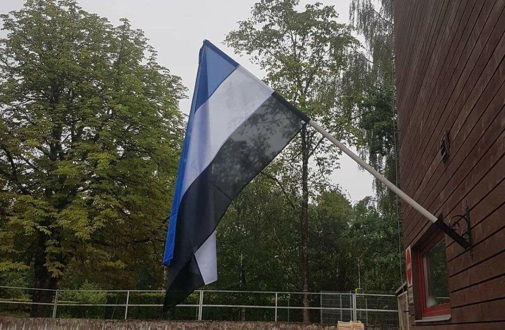 FOTO | Viljandi Maxima kauplus andis Eesti lipule täiesti uue kuju