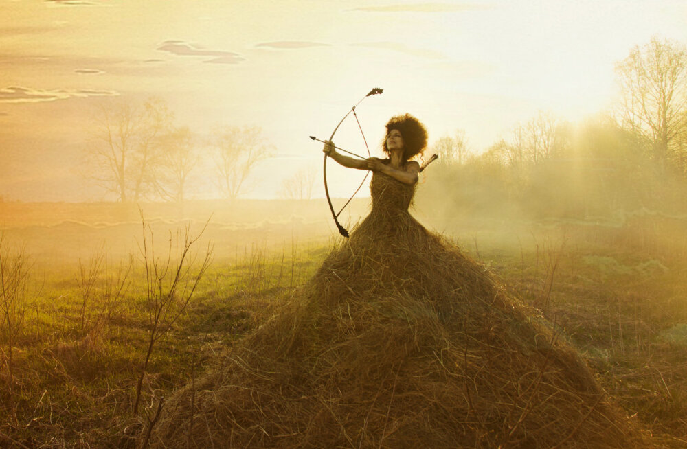 """Muinasjutuline päevaraamat """"Naise väe maagiline aastaring"""" rõõmustab naisi müstiliste tarkustega"""