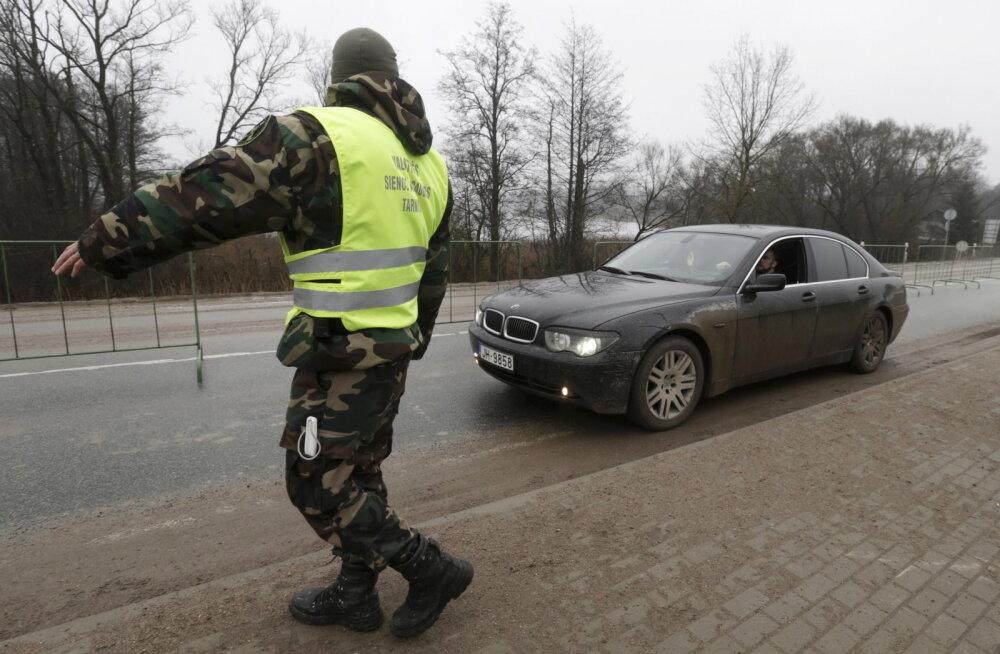 Vene kodanik sai Läti piiril pistise pakkumise eest kopsaka trahvi