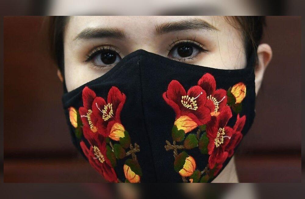 Модели в облаке и врачи на обложках глянцевых журналов: пять примеров того, как коронавирус меняет мир моды
