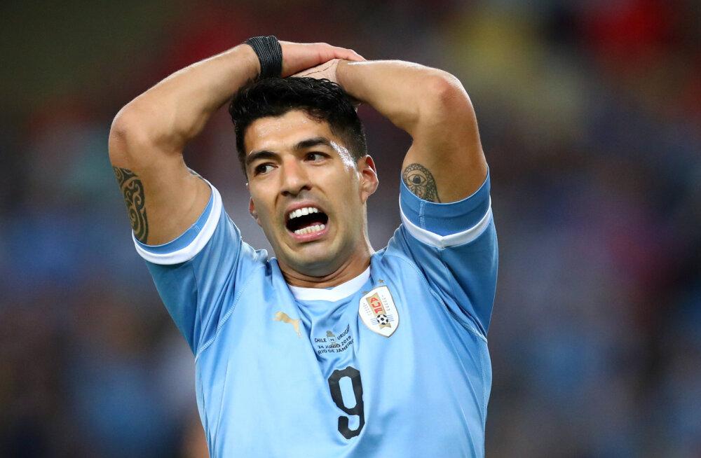 VIDEO | Meeltesegadus? Luis Suarez nõudis vastaste väravavahile käega mängimise eest penaltit
