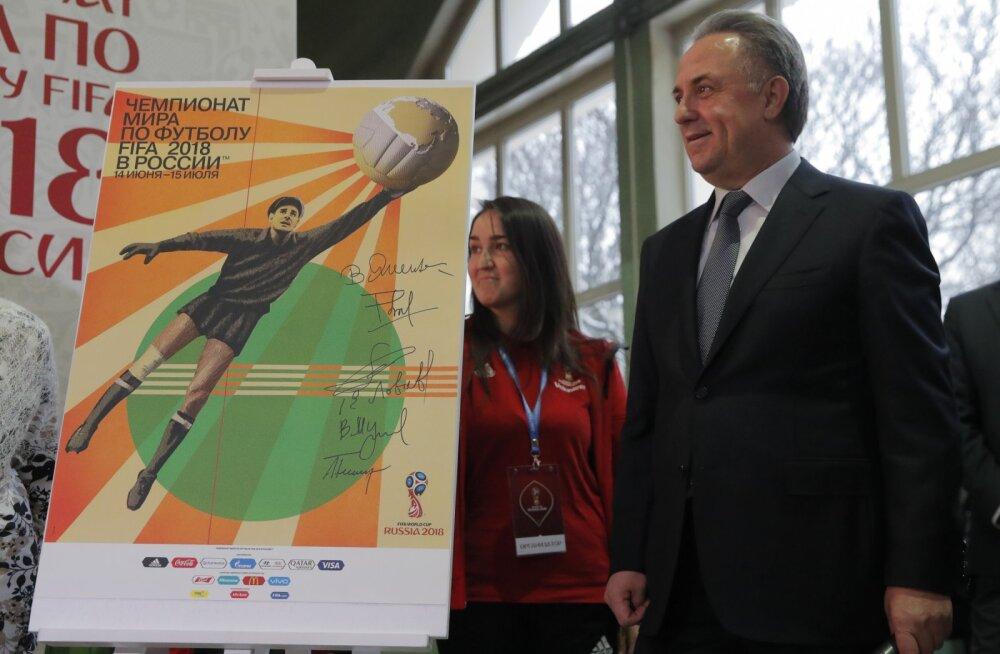 Venemaa asepeaminister Vitali Mutko esitleb plakatit