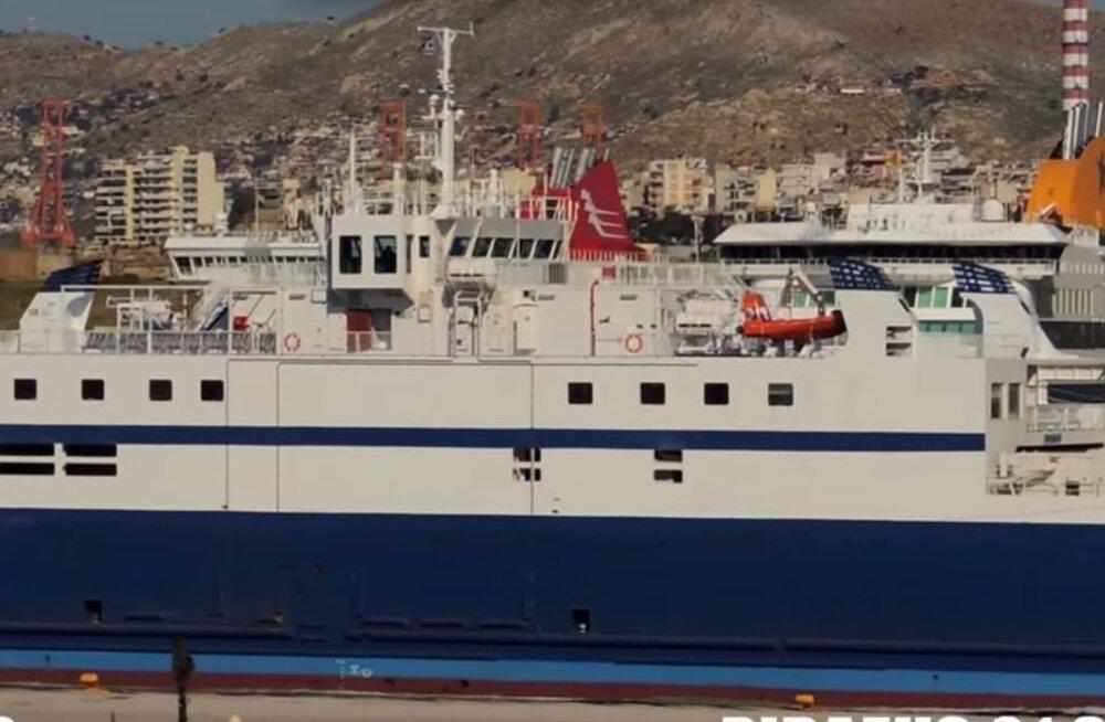 Eestlaste teenimiseks valmis: kurikuulus parvlaev Ionas saabus Virtsu sadamasse