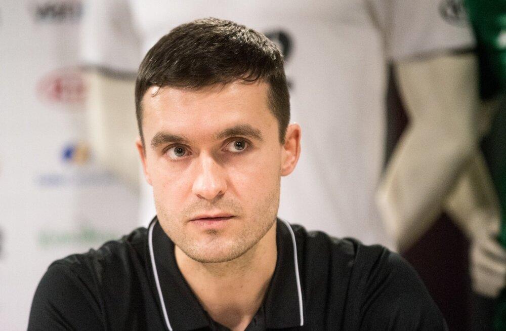 U17 koondise peatreener Norbert Hurt