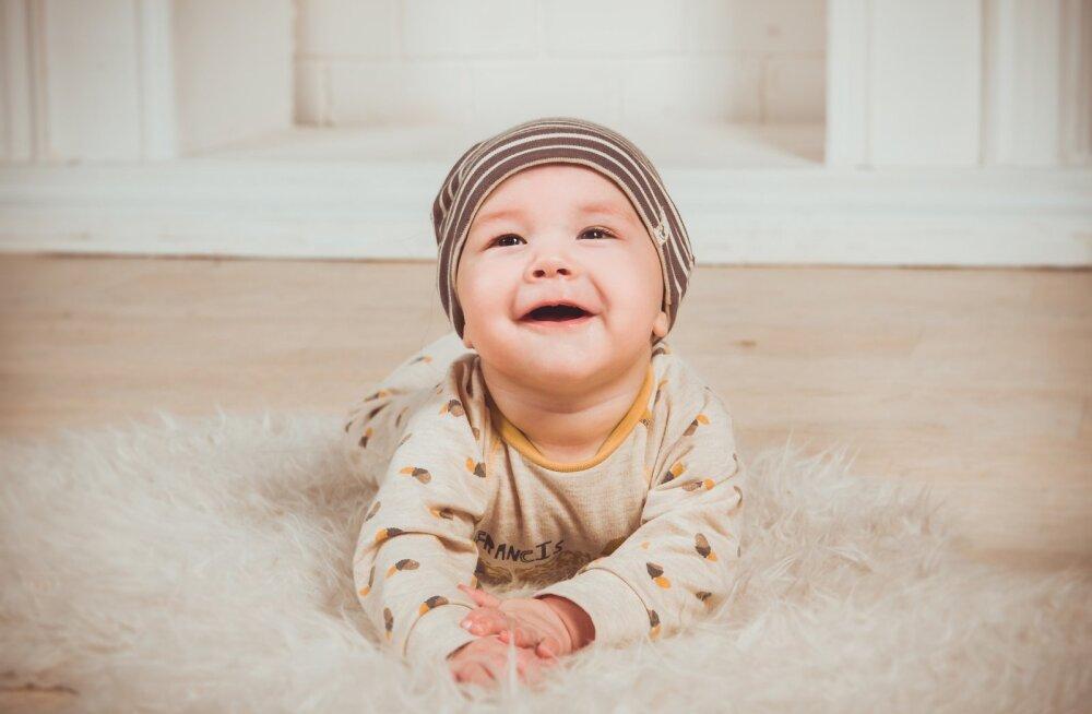 Erinevad roomamisstiilid: millal minu beebi roomab?