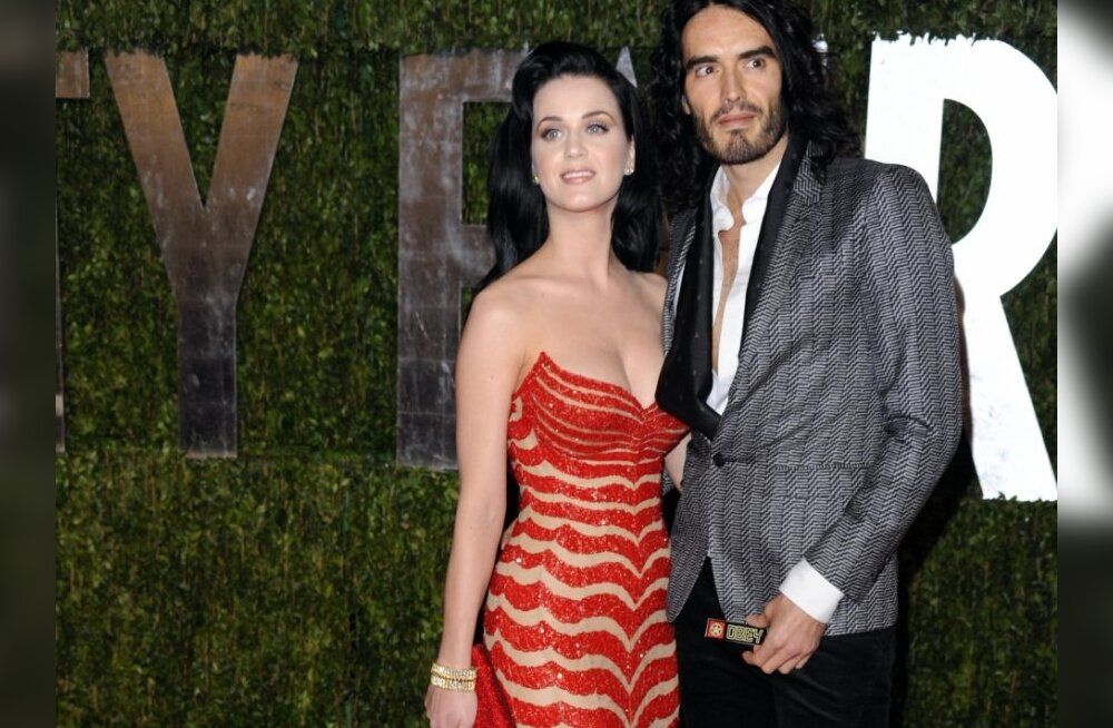 Katy Perry, left, and Russell Brand arrive at the Vanity Fair Oscar party on Sunday, March 7, 2010, in West Hollywood, Calif. (AP Photo/Peter Kramer) / SCANPIX Code: 436