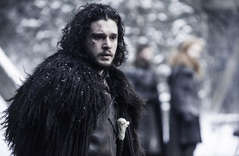 """SPOILER: Jon Snow on siiski elus? Sarja """"Troonide mäng"""" uue hooaja võtetelt lekkis foto"""