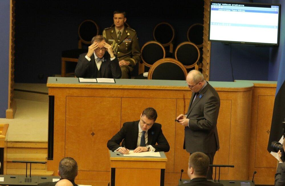 DELFI FOTOD: Peaminister Taavi Rõivase valitsus andis riigikogu ees ametivande
