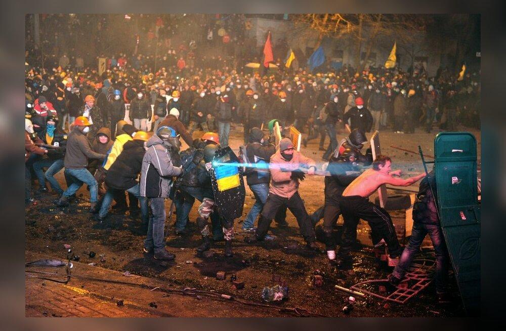 VIDEO ja FOTOD: Pärast rahutusi Kiievis vajas arstiabi üle saja inimese