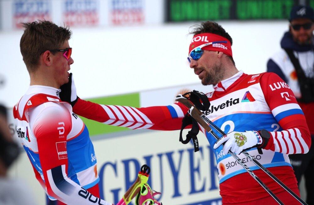 Sergei Ustjugov (paremal) hoidis end tagasi ja ainult tõukas Johannes Klæbot.