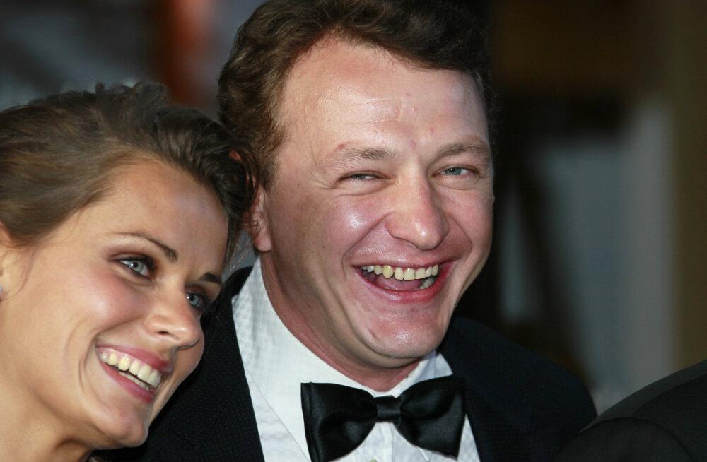 Võimalik vaid Venemaal! Abikaasasid vigaseks klohmiv nõiasaate juht naudib talvepuhkust ja jätkab edukalt karjääri