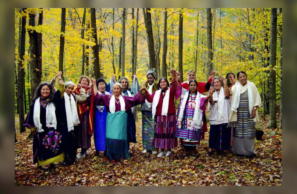 """Väekate teadjanaiste iidsed tarkused: """"Need saavad olema naised oma tarkusega, kes maailma päästavad"""""""