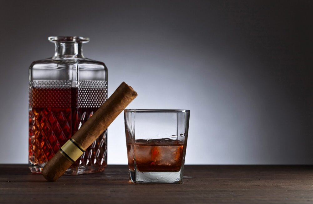Viski ja sigar ei pea ilmtingimata kokku käima. Ühtmoodi oskavad jooki nautida nii suitsetajad kui ka mittesuitsetajad.