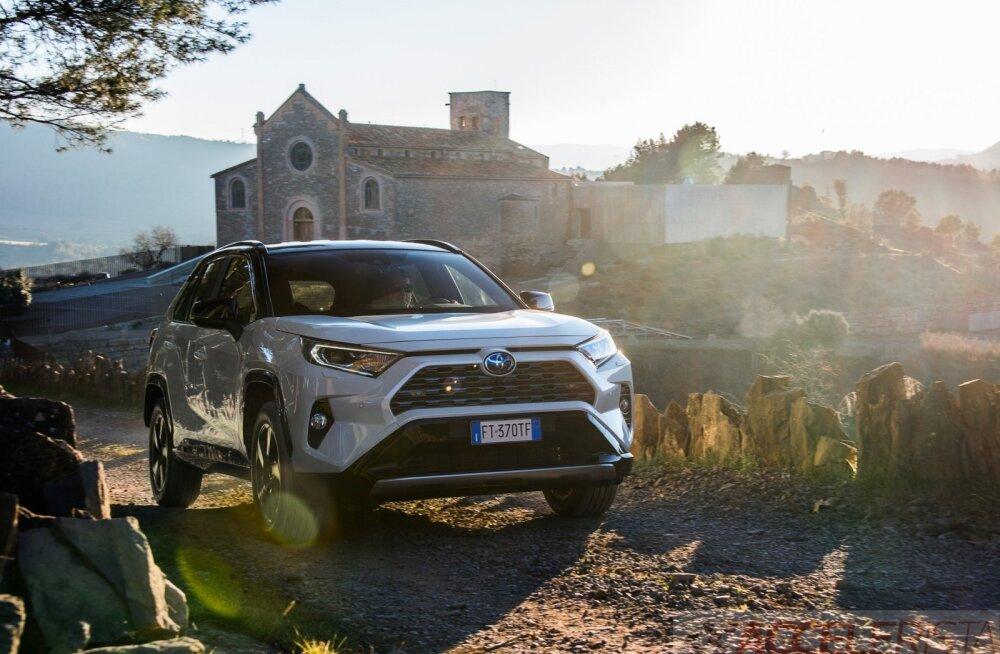 Eesti automüük kukkus kaevu põhja