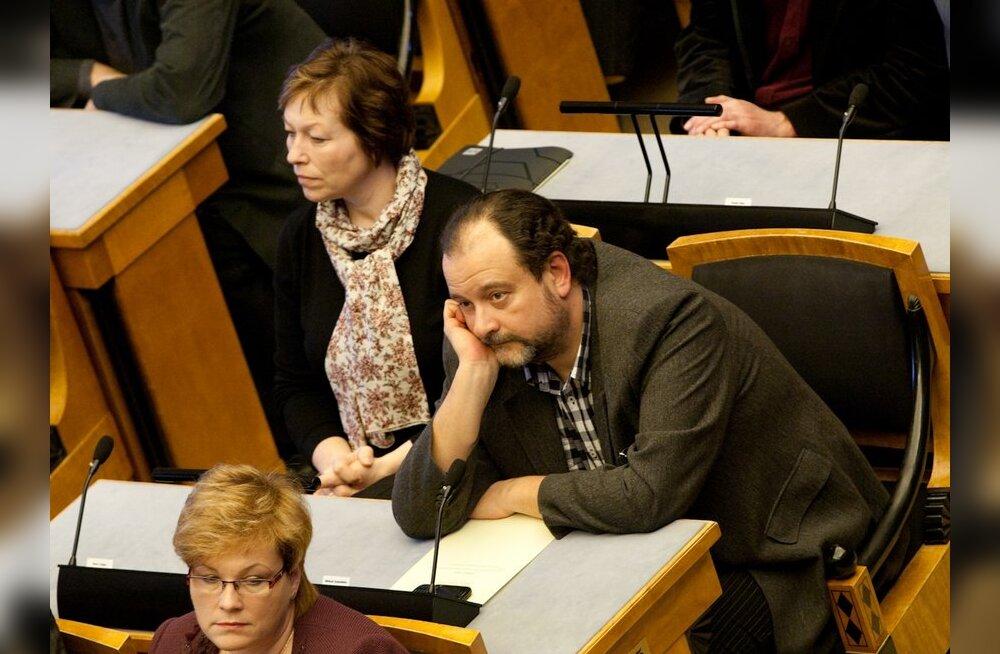 Из депутатов Рийгикогу на свои авто больше других тратят Стальнухин и Коробейник
