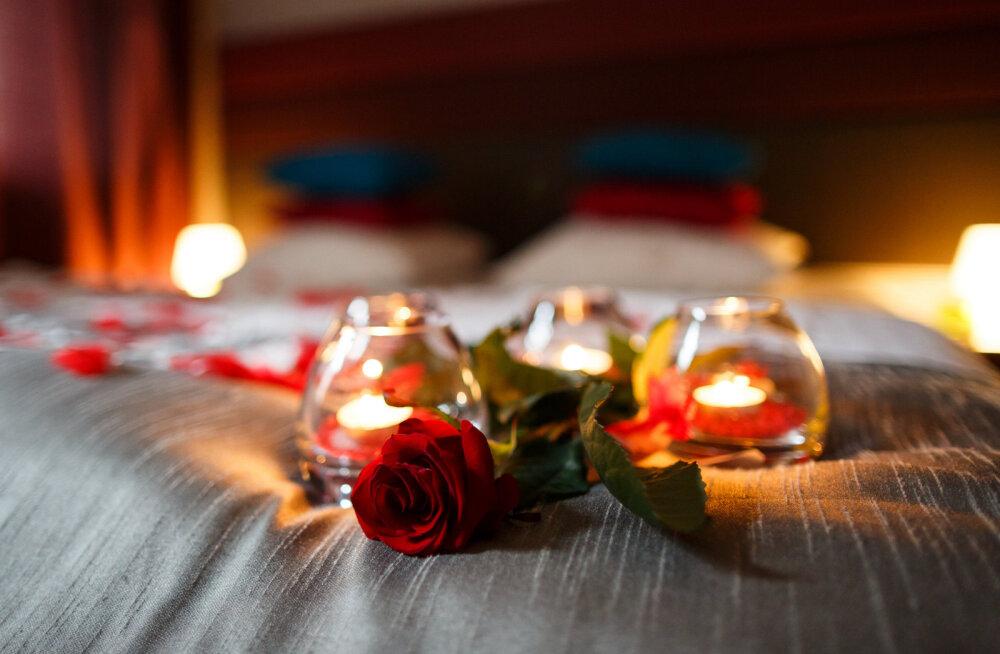 Он так хотел, чтобы вы не заметили: 8 тайных маневров в спальне