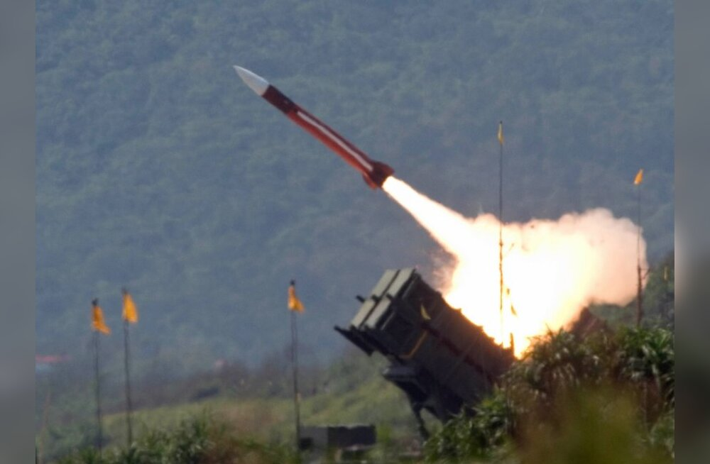 **FILE**A U.S.-made Patriot missile is launched during the annual Han Kuang No. 22 exercises in Ilan County, 80 kilometers (49 miles) west of Taipei, Taiwan in this July 20, 2006 file photo. Allegations that a Pentagon analyst passed information to a Chin