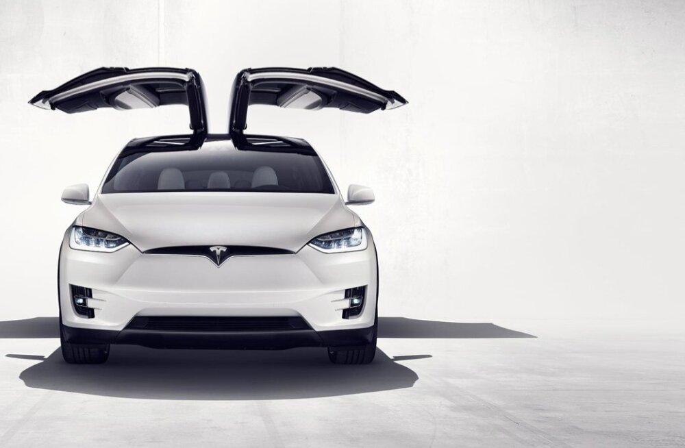 Tesla uus linnamaastur Model X
