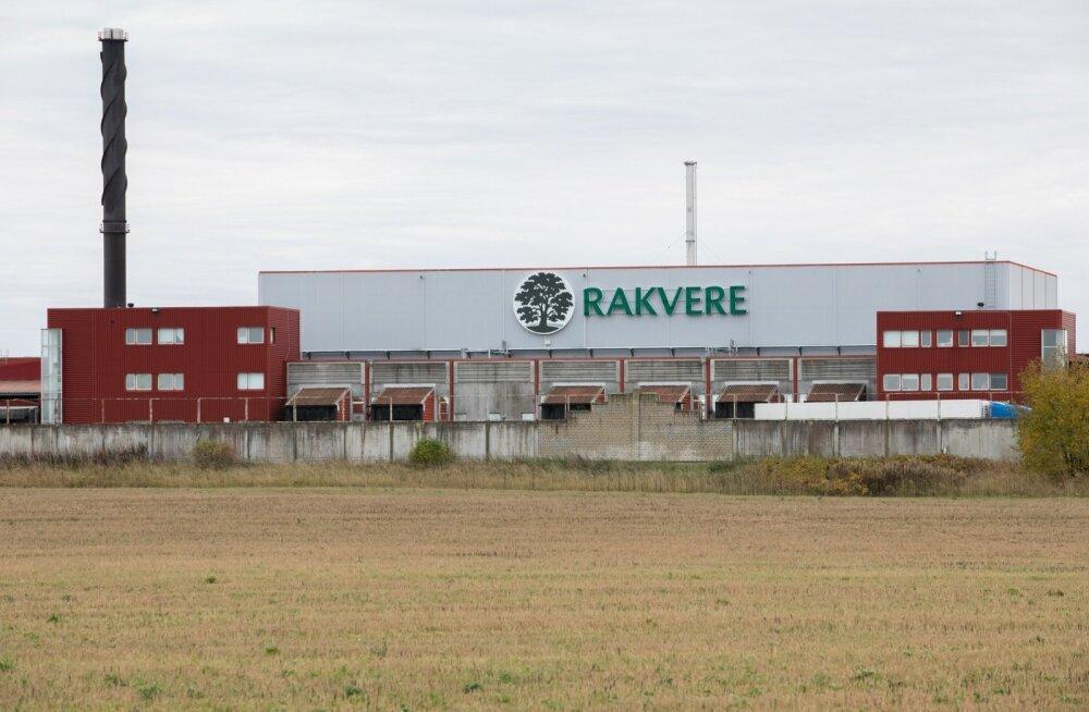 Rakvere lihatööstuse tapamaja paarkümmend töötajat alustasid 17. oktoobri hommikul tööseisakut, et nõuda palka juurde.