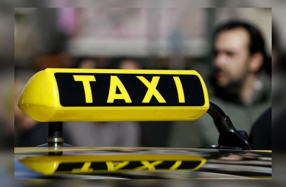"""Голландия: душевнобольной рижанин """"по воле голосов"""" отправился на такси в Голландию"""