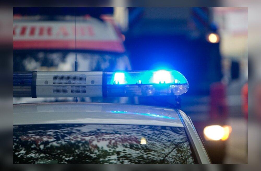 Liikluskroonika: tundmatu auto sõitis purjutanust üle, roolijoodiku autos sai kaks inimest viga