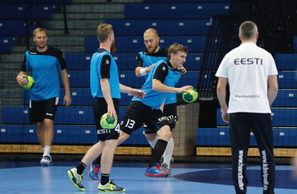 Peatreener Thomas Sivertsson Eesti koondislastega