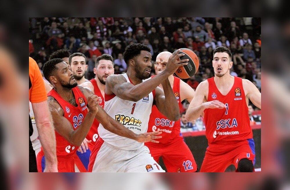 Piraeuse Olympiacos (valges) alistas Moskva CSKA.