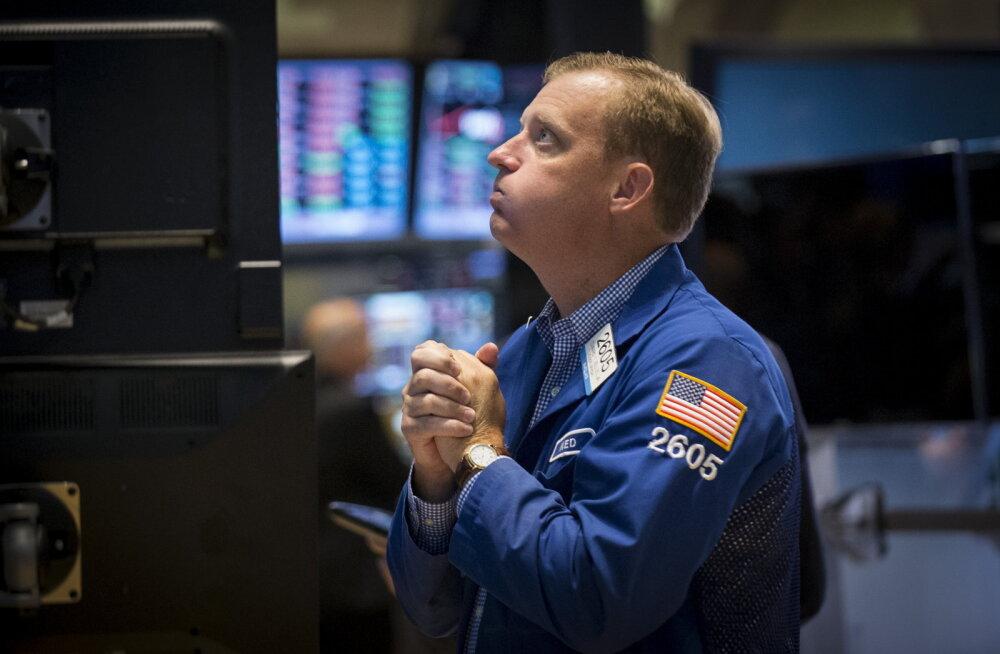 Kohalik börs värvus USA ja Hiina kukkumise valguses punaseks