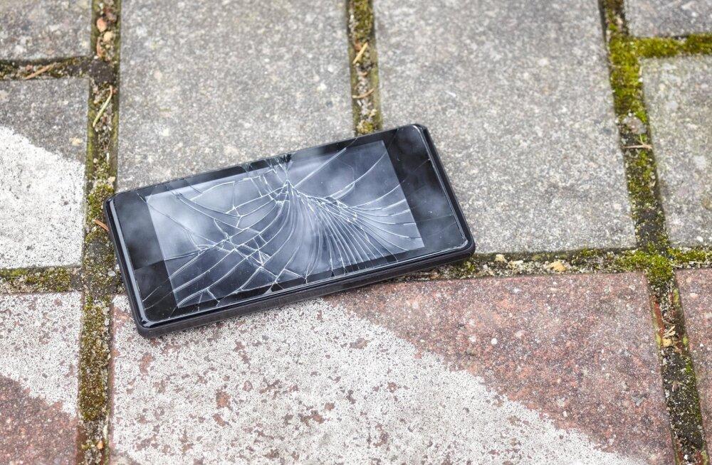 Teliast antud asendustelefon tõi kliendile sadu eurosid suure kahjunõude