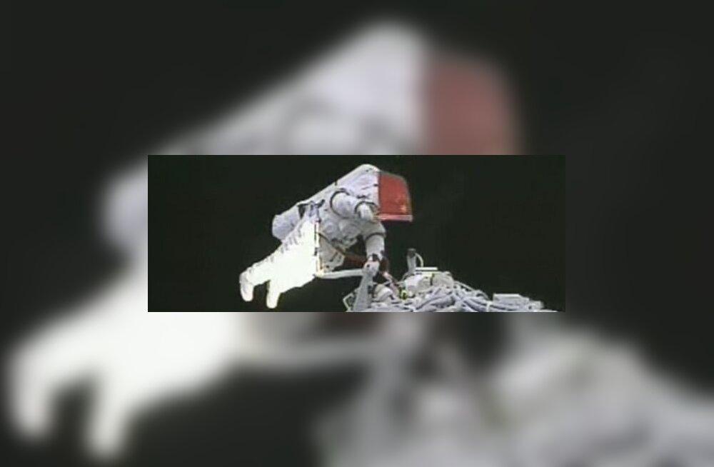 Esimene hiinlanna lendab kosmosesse 2012. aastal