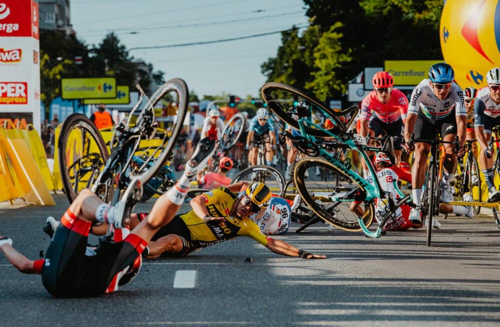 ФОТО и ВИДЕО: Жуткая авария на финише велогонки. 10 пострадавших