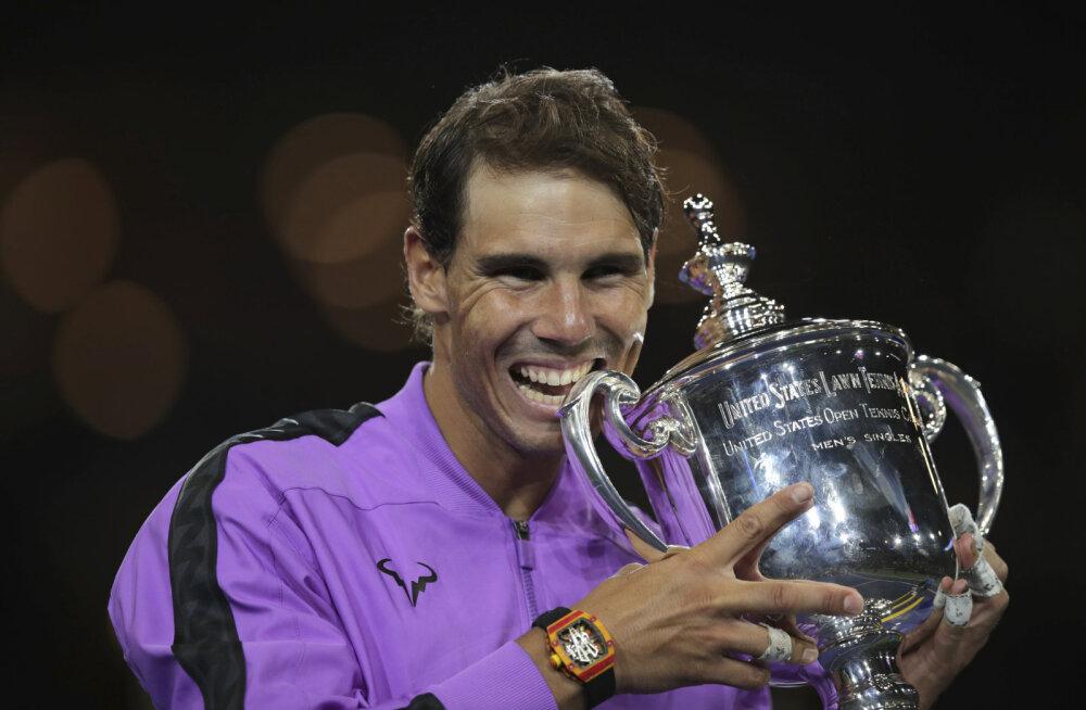Nadal võitis 19. suure slämmi tiitli, venelane alistus alles pärast viietunnist heitlust