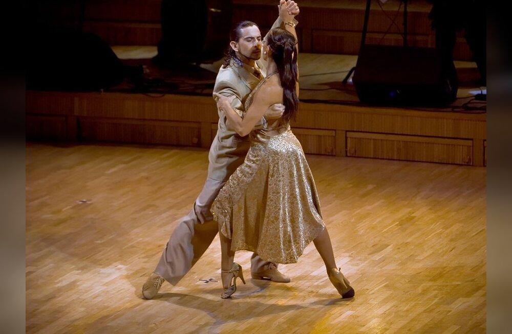 Tantsiv mees— naistemagnet või salapervert?