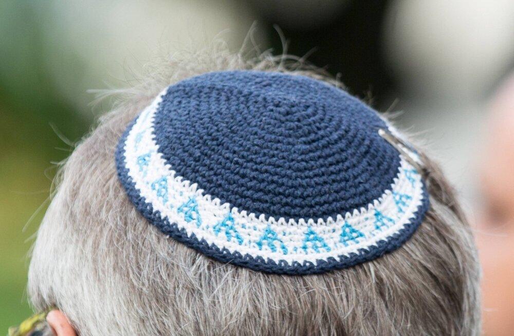 Антисемитизм в Германии нарастает: евреям посоветовали не носить традиционную кипу