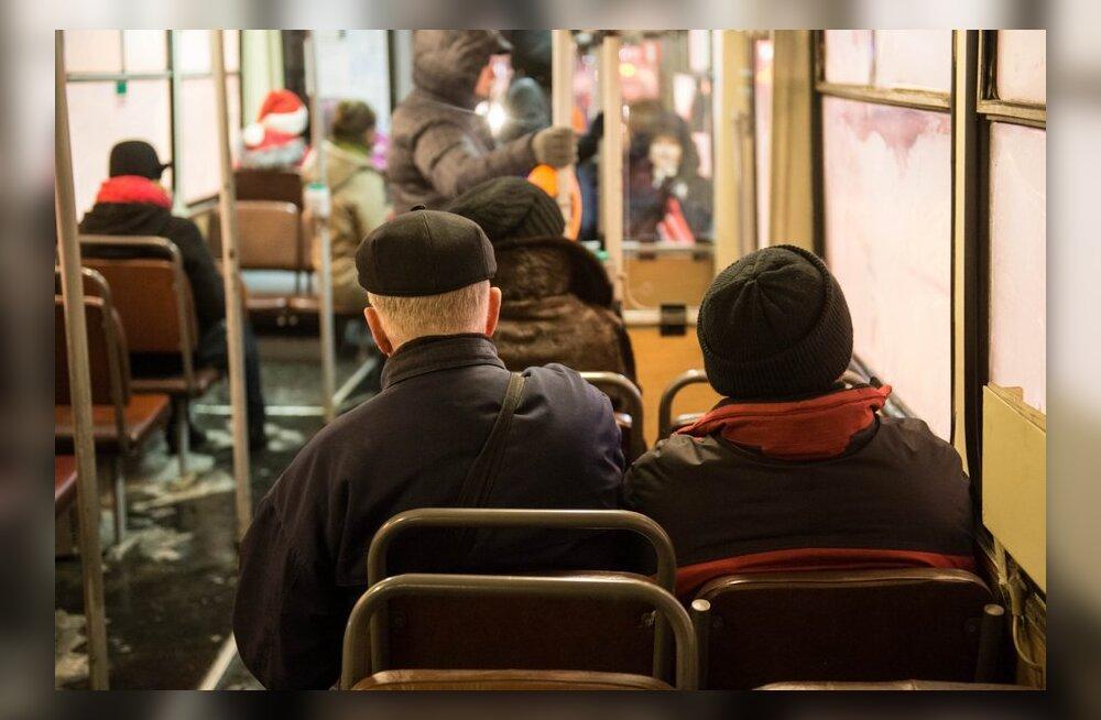 Tallinna ühistranspordis juba praegu tasuta sõitjad ühiskaarti hankima ei pea