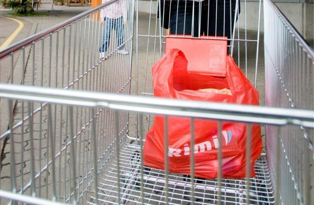 Торговая сеть Rimi повысила цены на пластиковые пакеты. Тонкая упаковка тоже станет платной