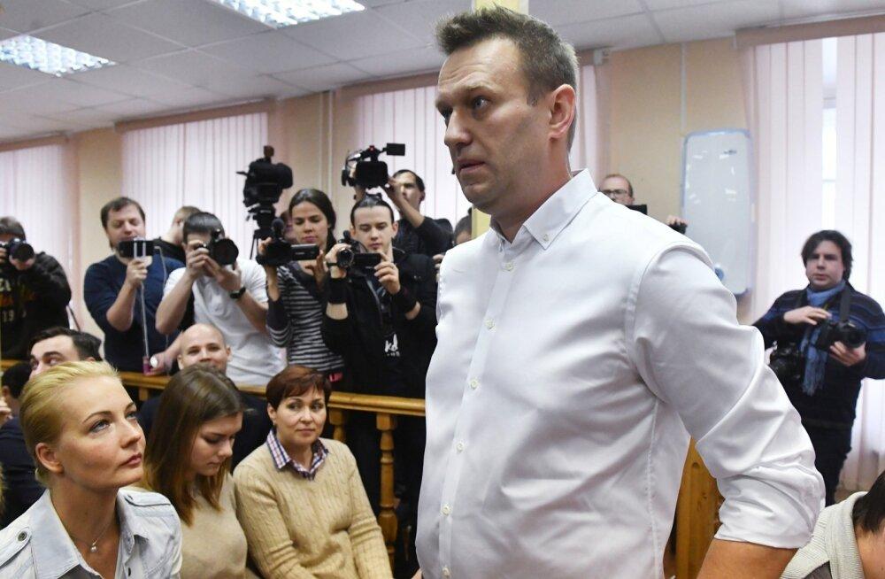 Kirovi kohus mõistis Vene opositsionäär Navalnõi uuesti süüdi riisumises